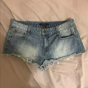 Forever 21 Low Rise Denim Shorts Size 27